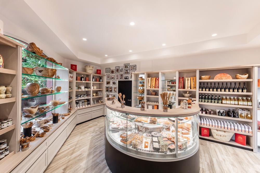 amenagement-boutique-Byblos-Saint-Tropez