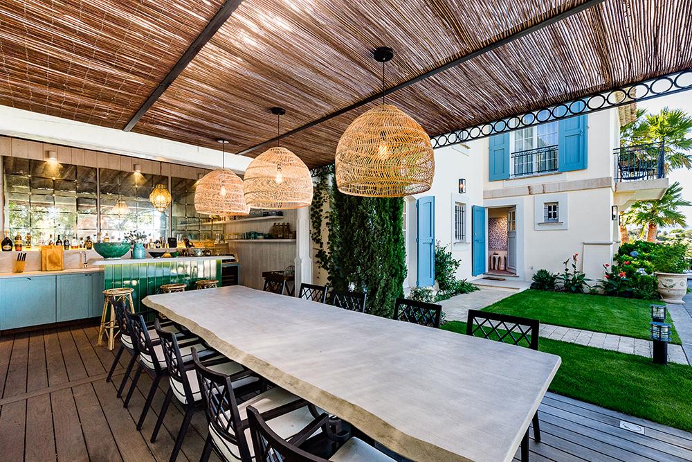 projet-architecture-cuisine-jardin-exterieur-villa-Gassin-FG-Design