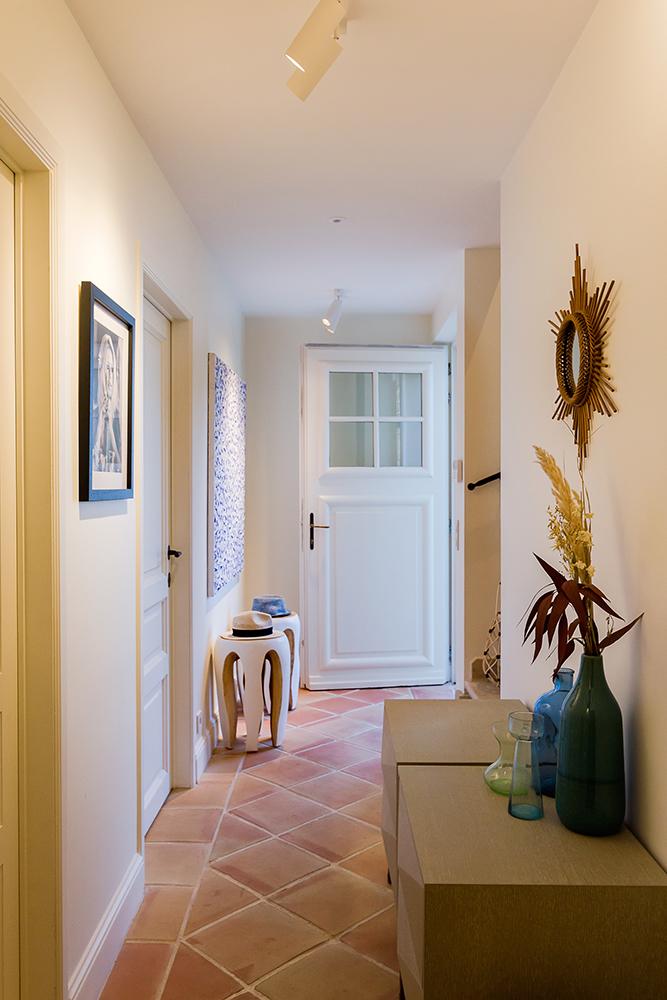 projet-architecture-interieure-decoration-couloir-villa-Gassin-FG-Design