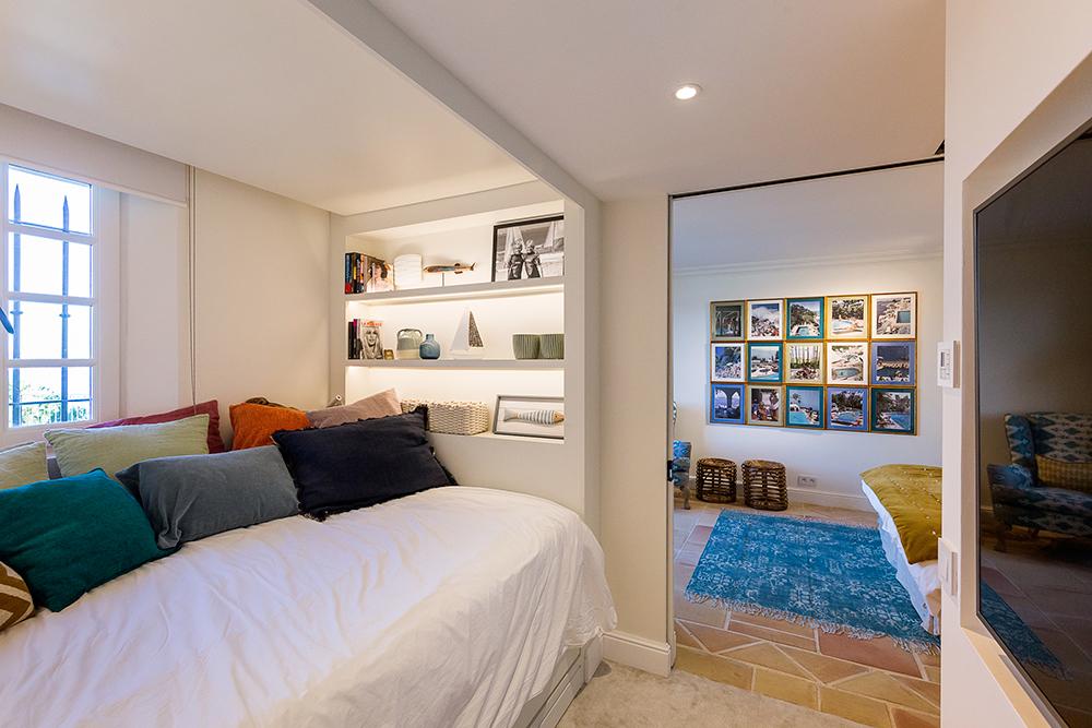 projet-architecture-interieure-homecinema-villa-Gassin-FG-Design